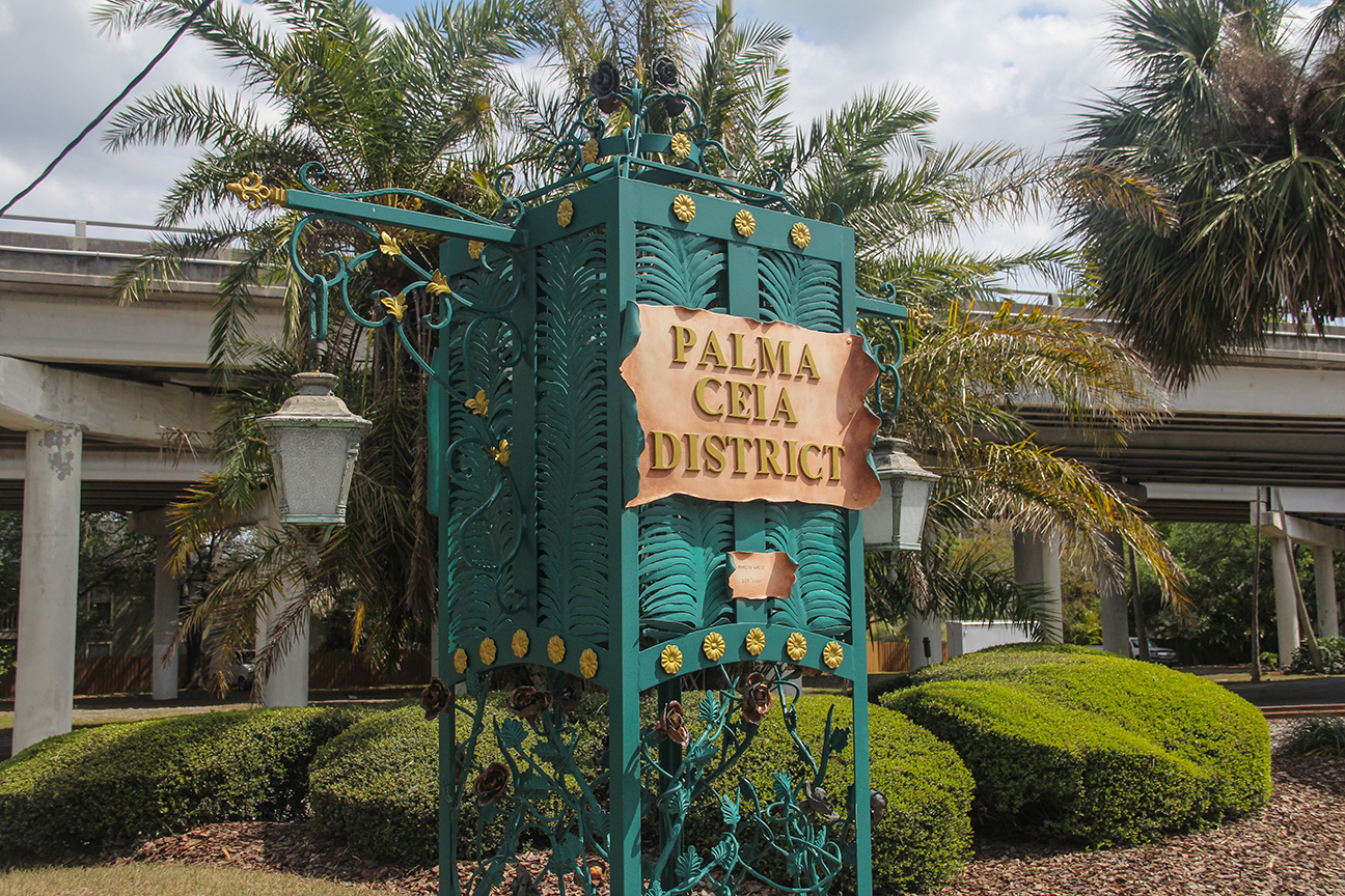 Palma Ceia District street sign