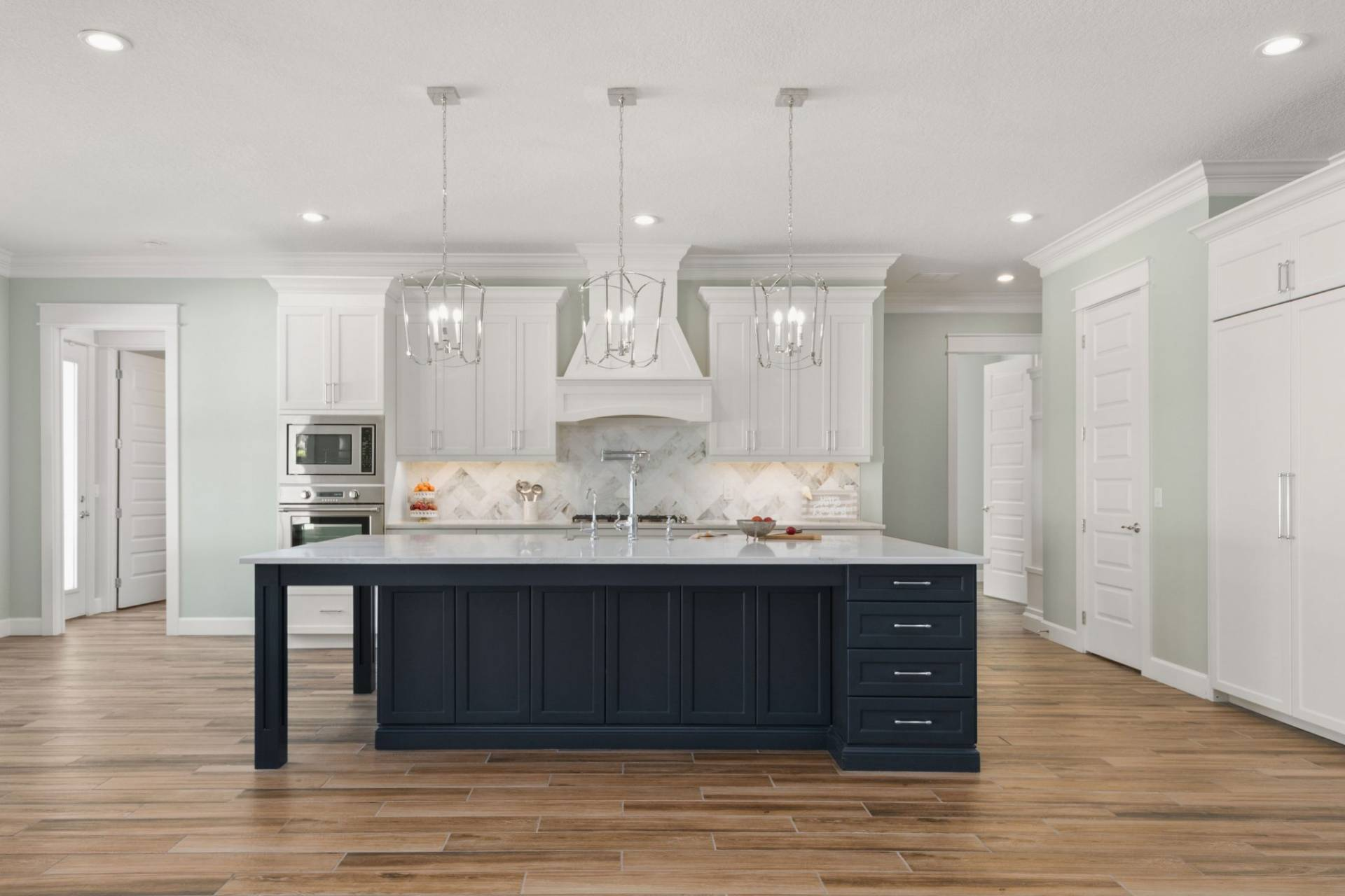 kitchen designed and built by New Legacy Homes, best of South Tampa homebuilder
